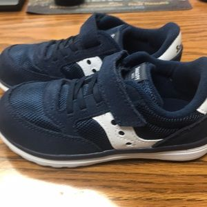New Boys Navy Blue and White Saucony Size 10 T